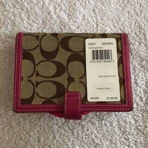 Coach wallet new with tag khaki/pink 5 1/2 x 4
